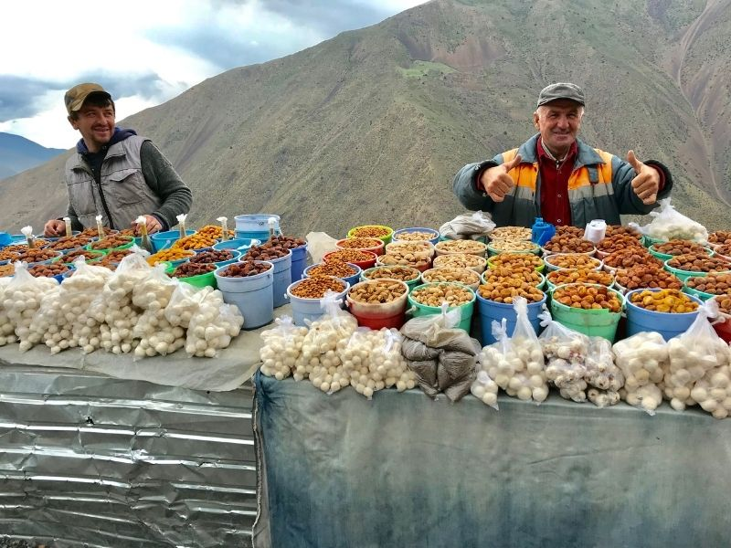 Tajik-Afghan Border Market