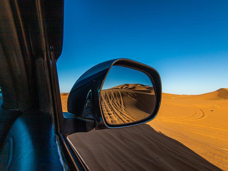 4x4 in Sahara Desert