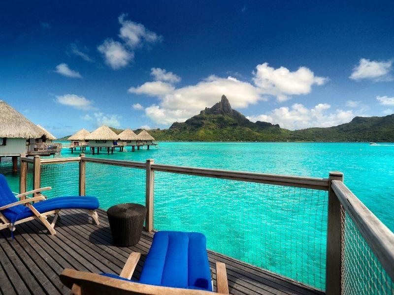 Bora Bora hotel veranda