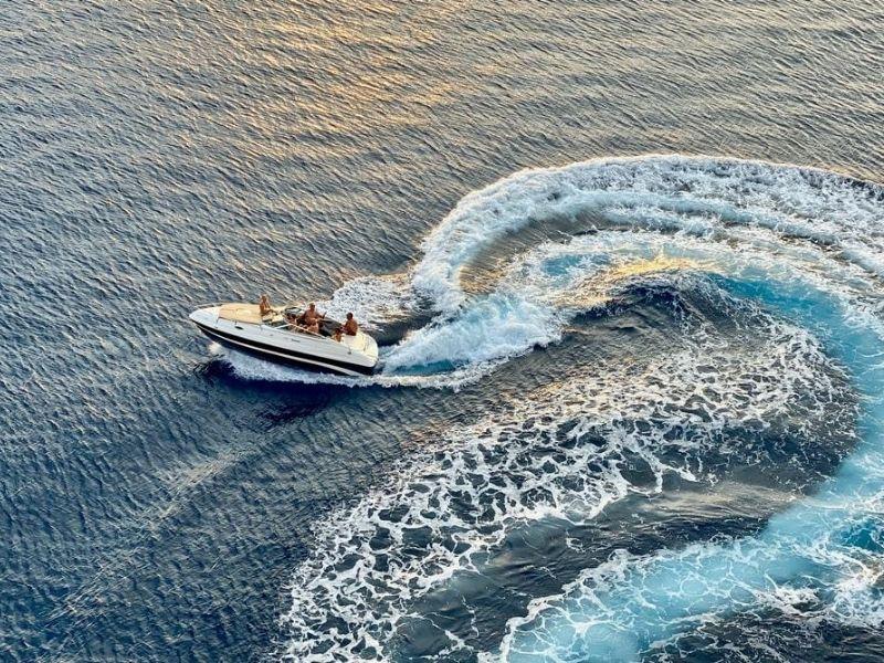 Camamu Bay - private speedboat
