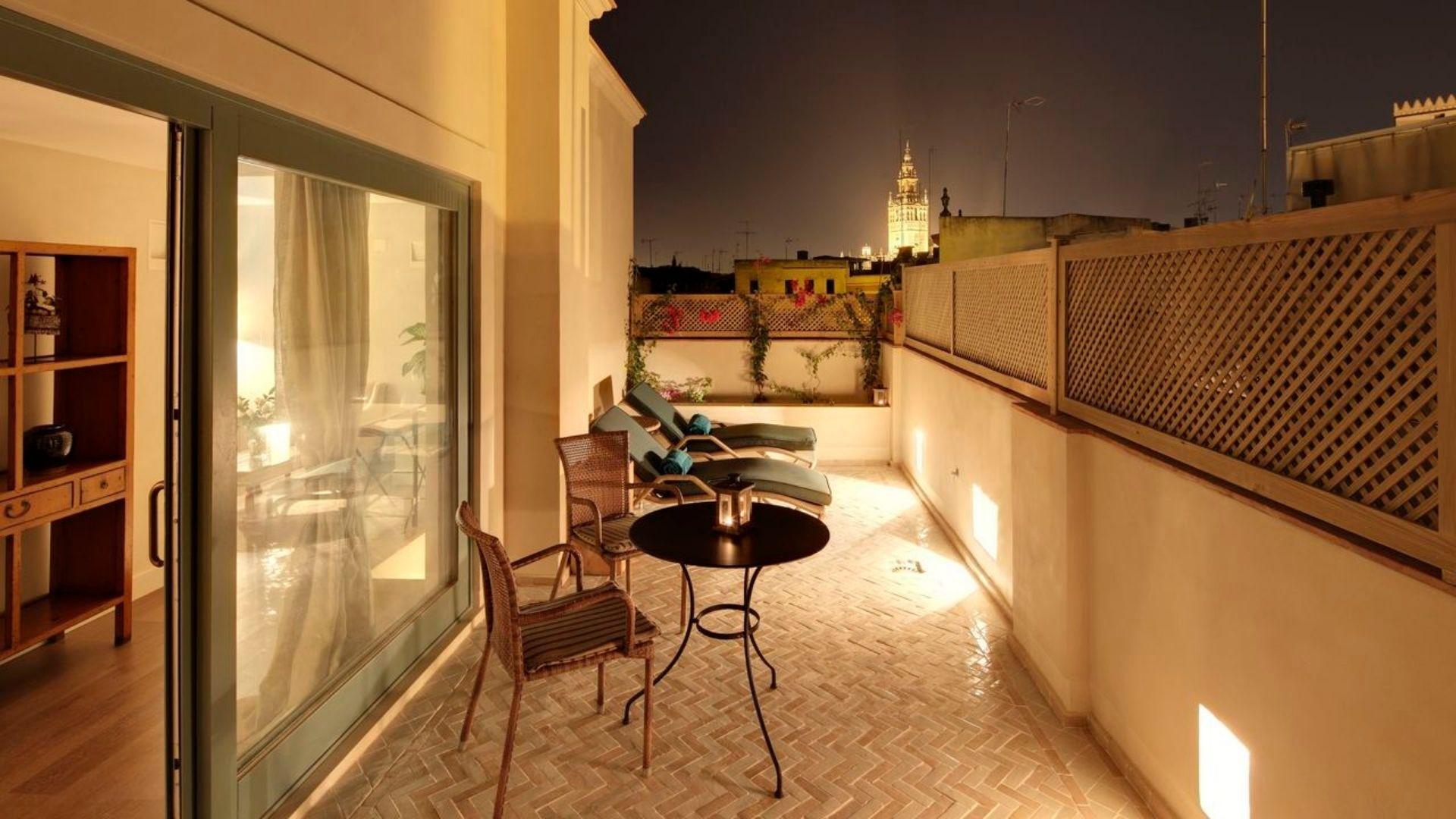 Hotel Corral del Rey Sevilla - Balcony