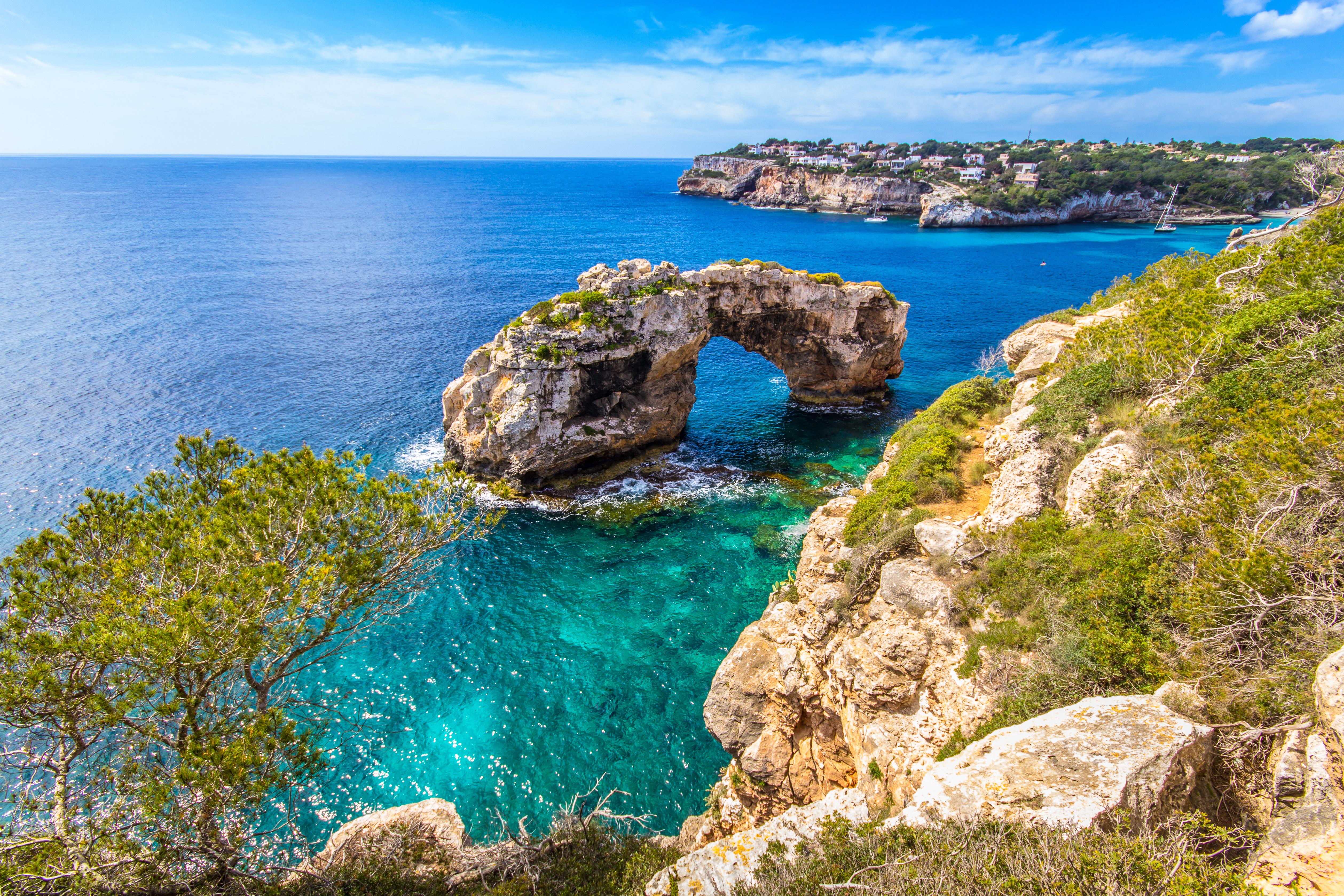 Enjoy a private boat trip in Mallorca
