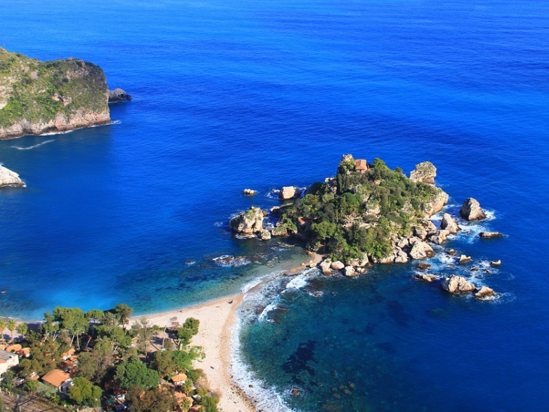 Italy - Relax and unwind in Taormina
