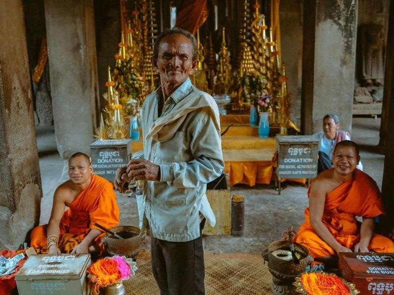 Luang Prabang Budhist Monks Donations