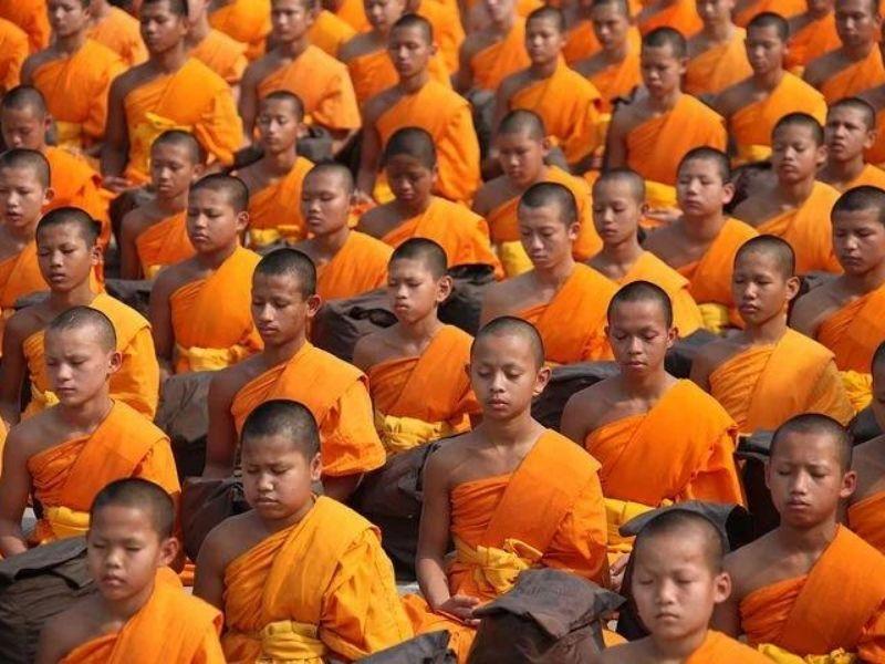 Morning prayers, Rinchenpong Monastery, India