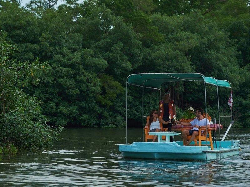 Paddle boat, El Otro Lado