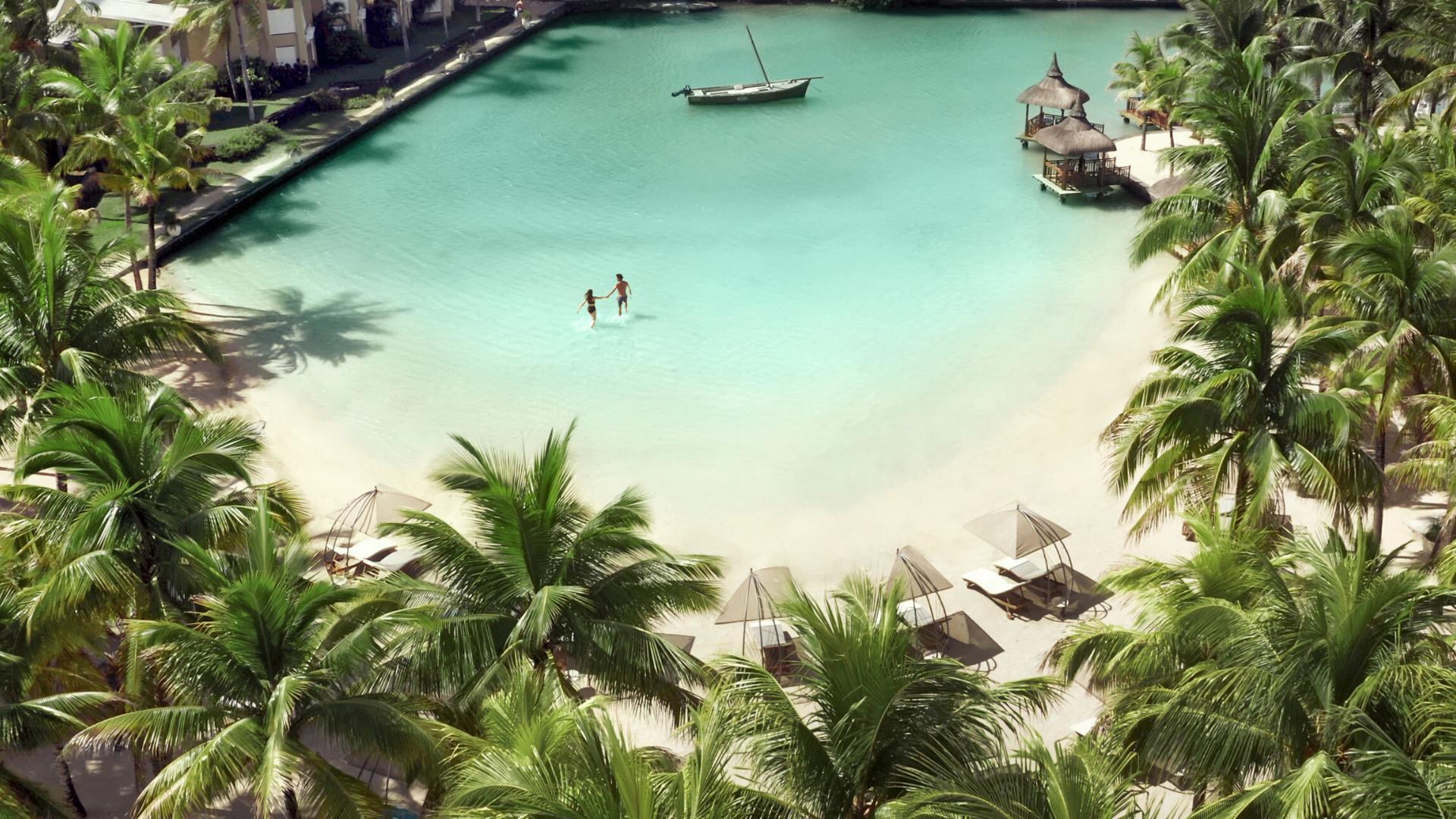 Paradise cove mauritius oroko