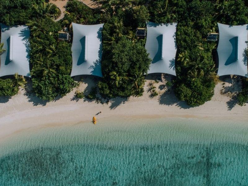 Pulau bawah, Indonesia