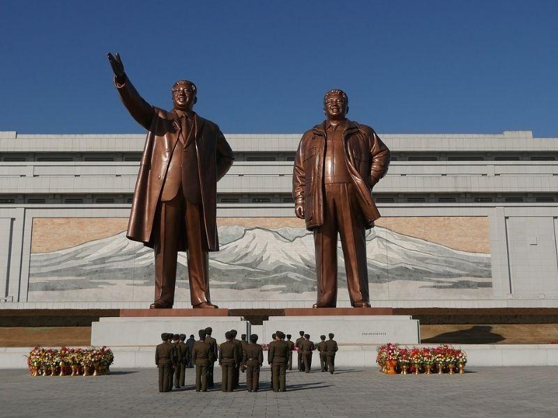 Pyongyang Statues