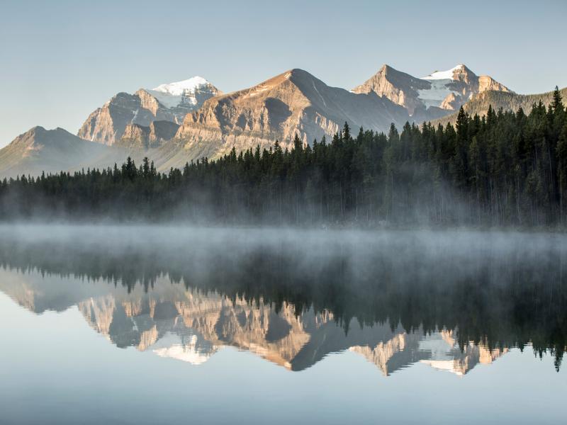 Rocky Mountaineer - Lake near Banff
