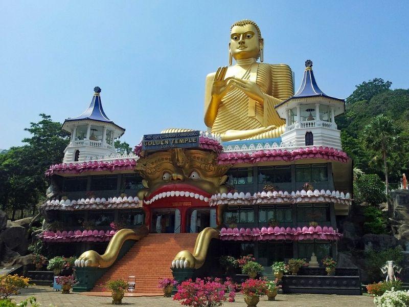 Sri Lanka, Golden temple of Dambulla