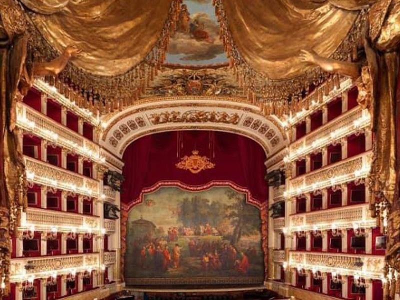 Teatro Dan Carlo