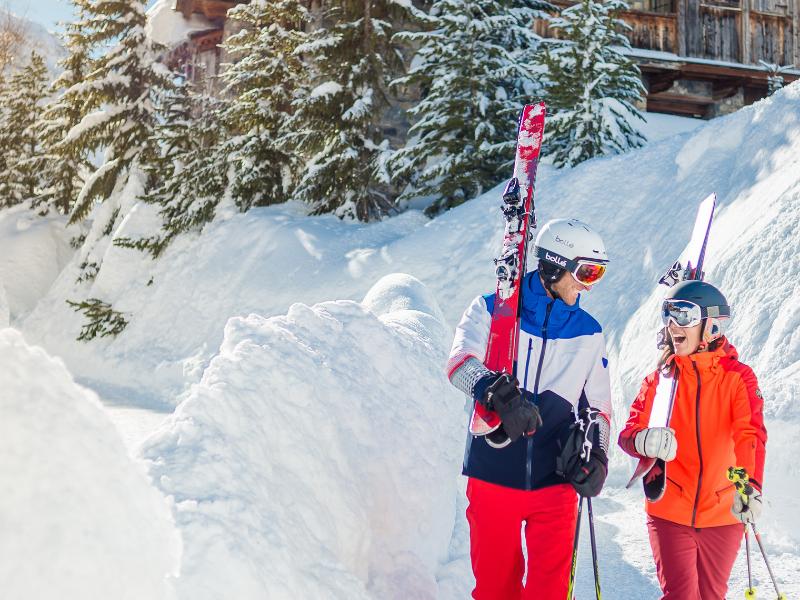 Val d'Isere couple ski