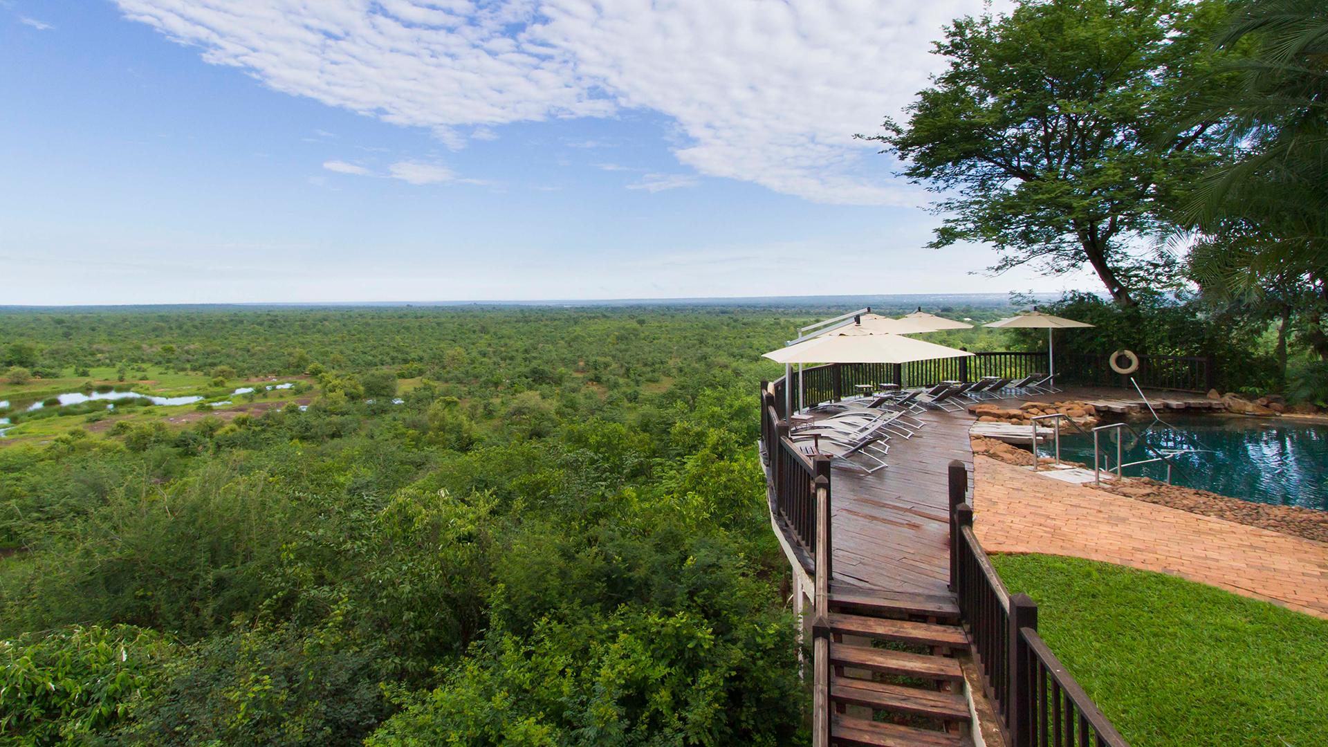 Victoria-Falls-Safari-Suites